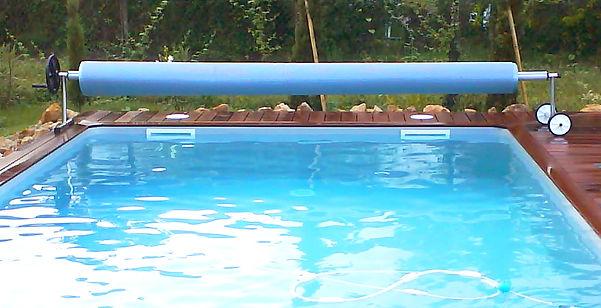 Enrouleur pour bâche piscine