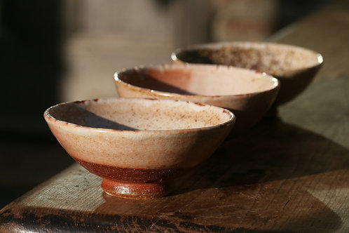 Three footed tea bowls