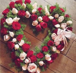 Premium Red Heart Wreath