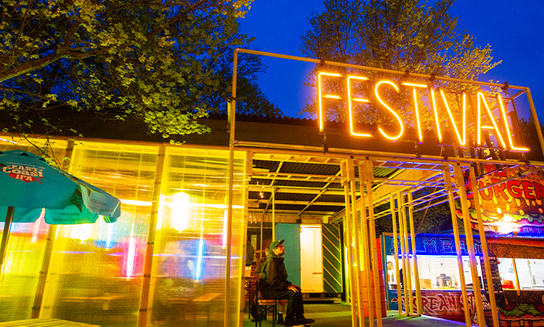 Festival+Bar+with+Neon+Sign+750x450.png
