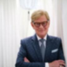 Göran blå kostym.jpg