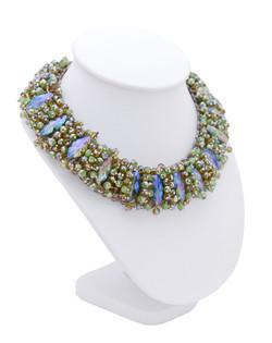 Halsband av kristall