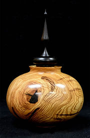 Lidded Vessel 2018May24WWW_003.jpg