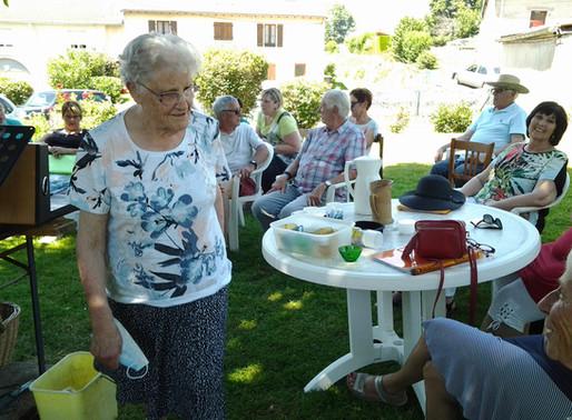 Retrouvailles de la chorale le 25/06/2020 dans le jardin d'Annie