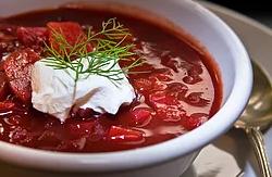 Borsjtj - en rykande het rödbetssoppa
