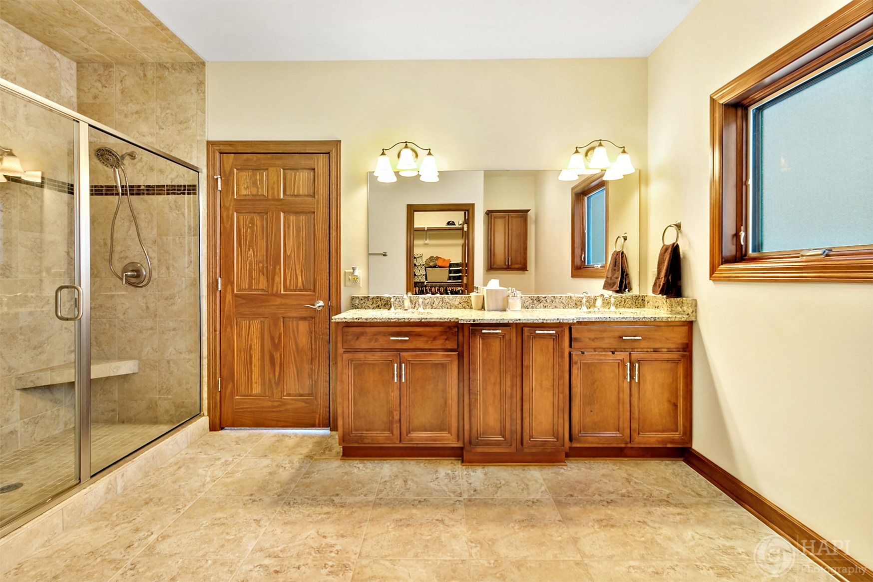 REAL ESTATE PHOTOGRAPHY  BATH ROOM SHOWE