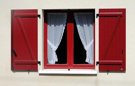 lb menuiseries menuisier poseur des fermetures de la maison. Black Bedroom Furniture Sets. Home Design Ideas