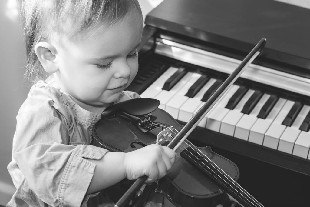 """""""Violin Lessons Toronto - Beginner &"""