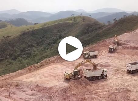 Terreno de Paracatu de Baixo em obras