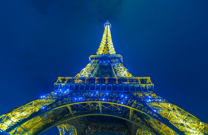 2019-03-15-Torre Eiffel Azul.jpg