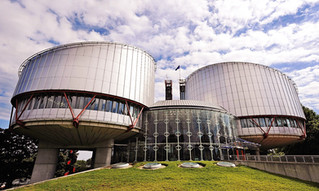 Европейский суд по правам человека разрешил условно осужденным россиянам выезжать из страны.