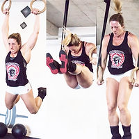 mulher fazendo ring muscle up