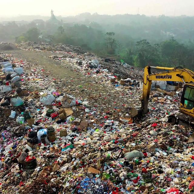 Rubbish landfill.mp4