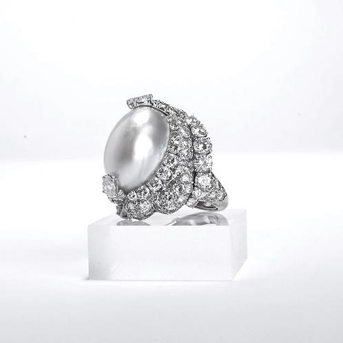 The David Webb Pearl Ring