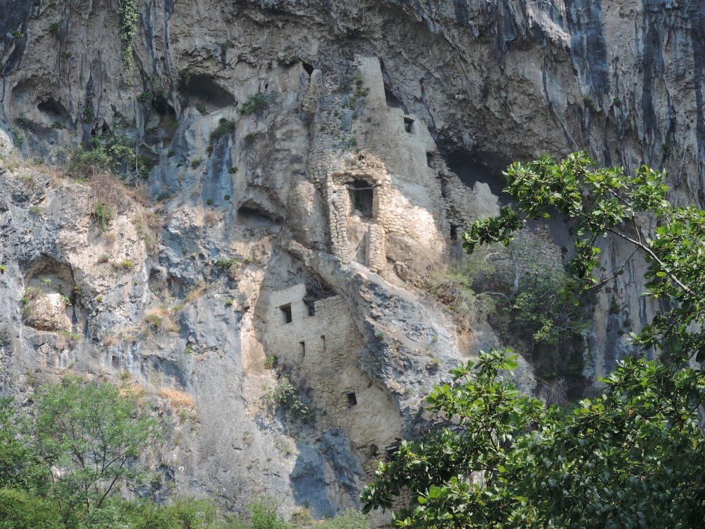 Скальный монастырь в Абхазии