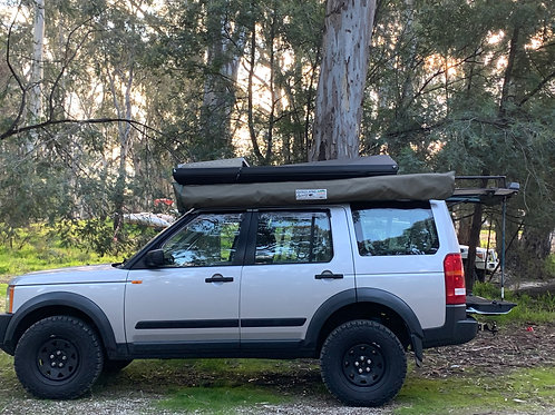 Eezi-Awn Stealth Hard Shell Rooftop Tent