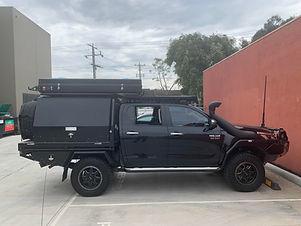 Toyota Hilux Dual cab with Bundutop tent