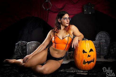 HalloweenRae_06_LogoS.jpg