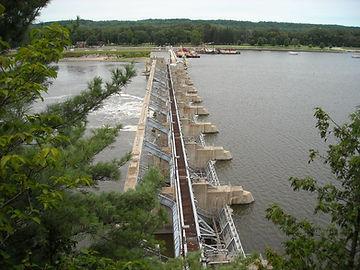 starved-rock-lock-and-dam-6-compressor.j