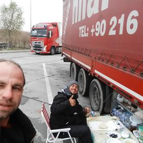 #floresnaestrada / Dirigindo uma carreta na Romênia