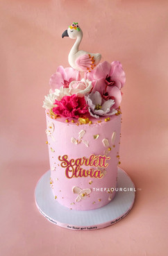 Flamingo and flowers cake