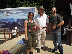 Dr. Sam Osmanagic (Mitte), Amir und ich