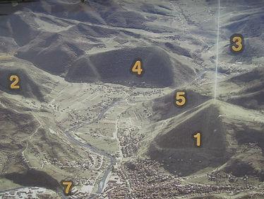 Tal der Pyramiden - Pyramid Valley