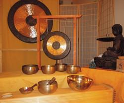 Klangschalen und Gongs