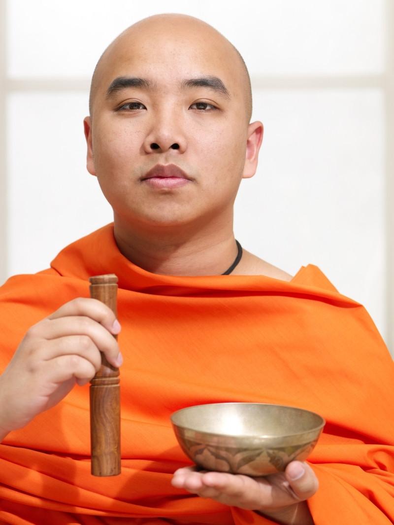 Klangmeditation. Mal ganz anders als man Meditation glaubt zu kennen - frei, ungezwungen und doch tief