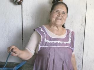 Promotora de la comida rural tradicional mexicana