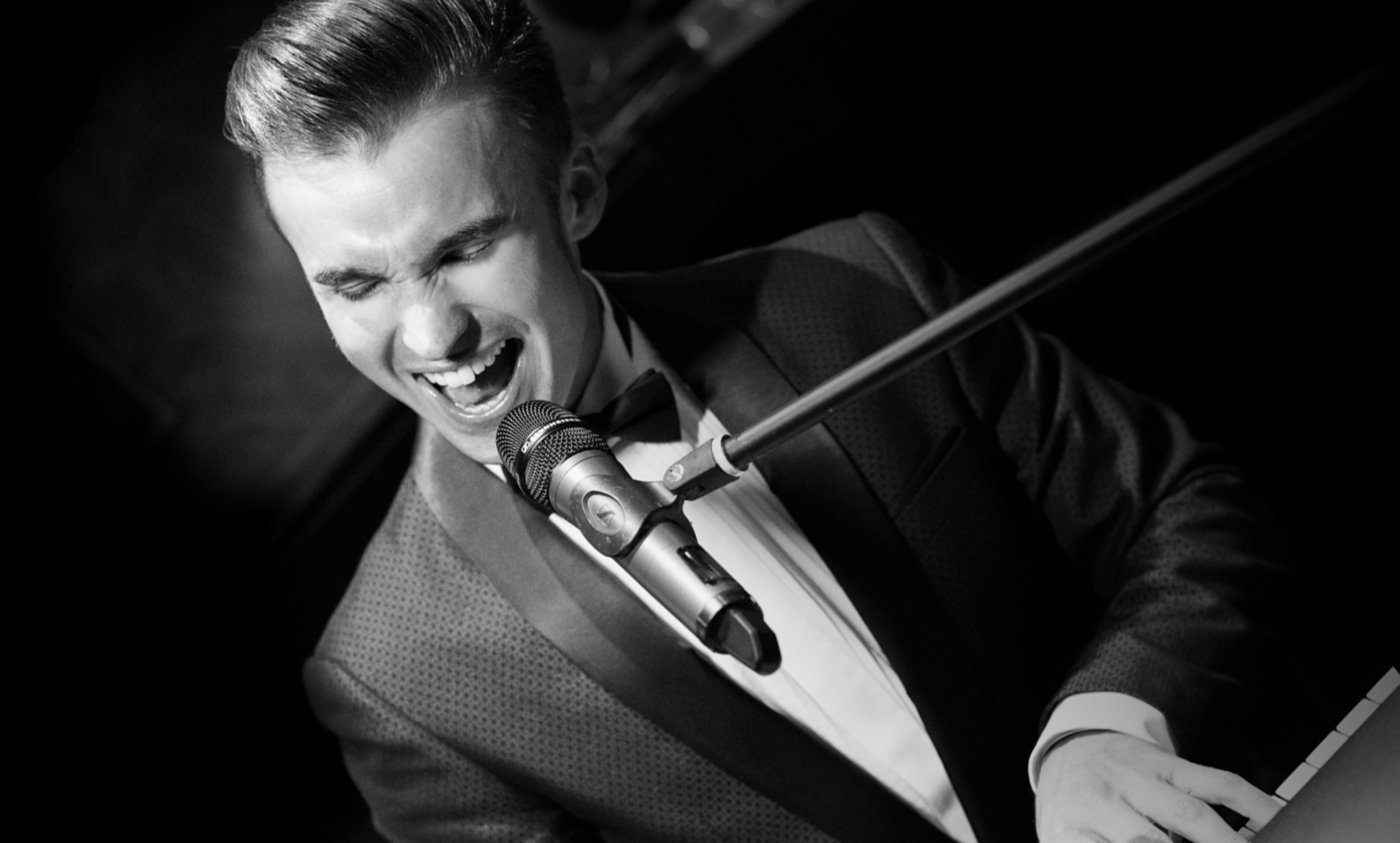 Dean Stansby Live Piano Shot