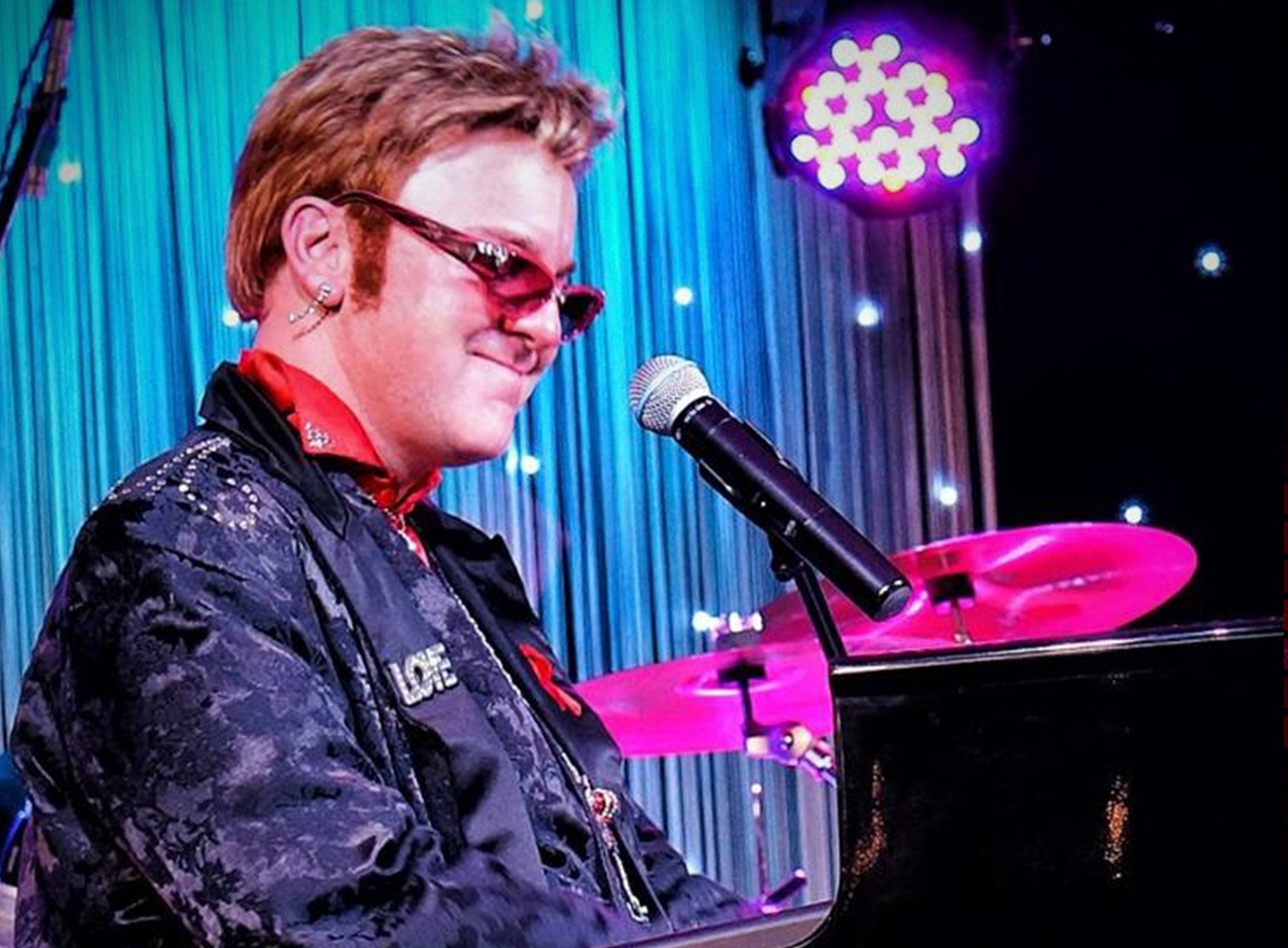 Jimmy Love as Elton John_edited_edited