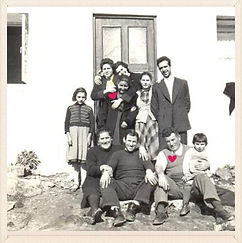 Família André são inspiração para loja de costura no Cacém