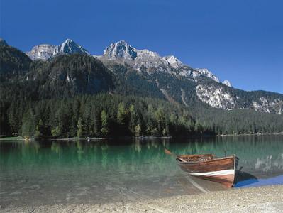 Il lago di Tovel in Val di Non e la sua leggenda