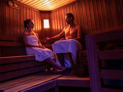 Benessere in sauna all'Albergo Cavallino Bianco di Rumo, Val di Non