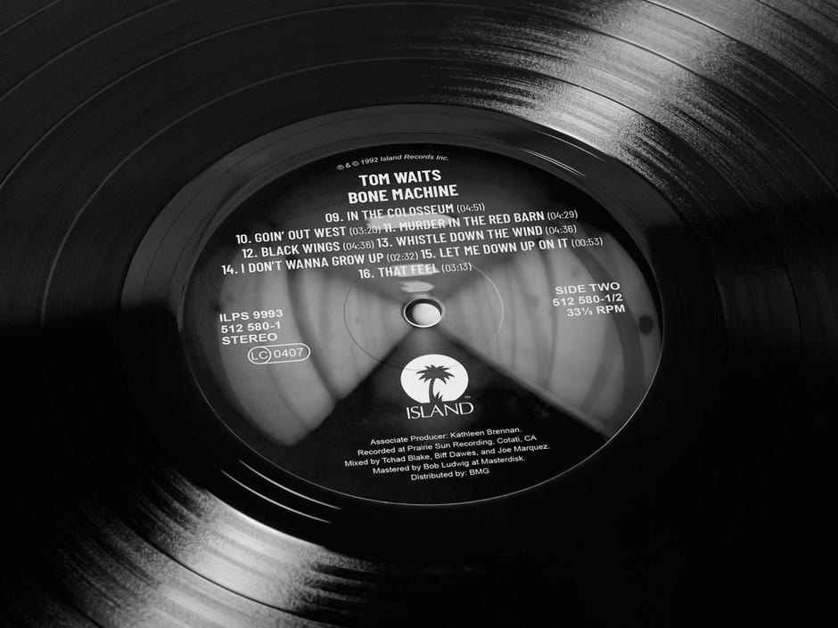 tom-waits-bone-machine-vinyl-design-viny