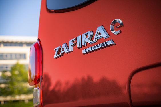 05-Opel-Zafira-e-512195.jpg