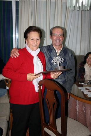 El ayuntamiento homenajea a Ricardo y Mª Eugenia.