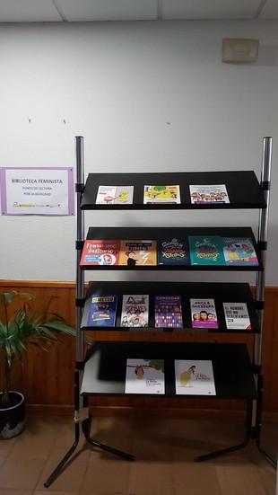 Biblioteca feminista en la UPT.