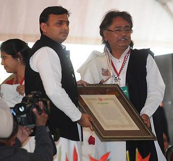 Vikash Maharaj honoured with highest civilian award of Uttar Pradesh, Yash Bharati, Akhilesh Yadav, Maharaj, State Award, Sarod