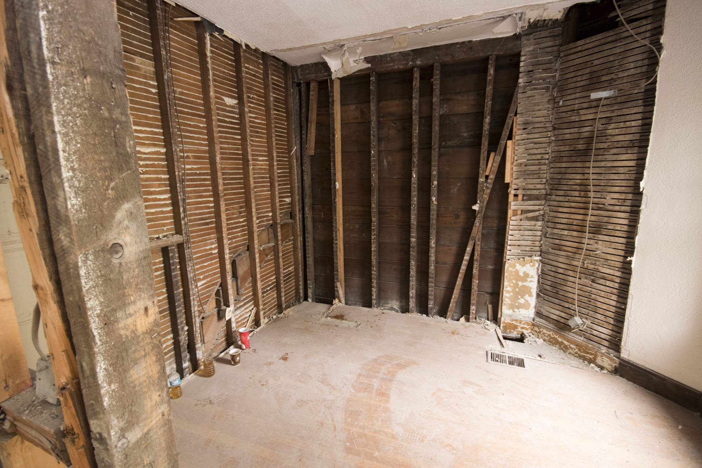 25 darling Mission Hill Full Gut Boston General Contractor_188 (48)