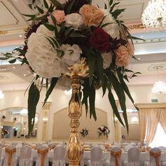 dekoracja sali weselnej golden palace kwiaty