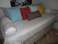 Almofadas decorativas, linha bebê e quartos.