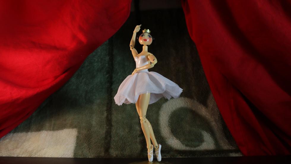 Dancer_clean stage.mp4.00_00_11_09.Still