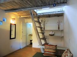 Quarto 1 - Banheiro e escada