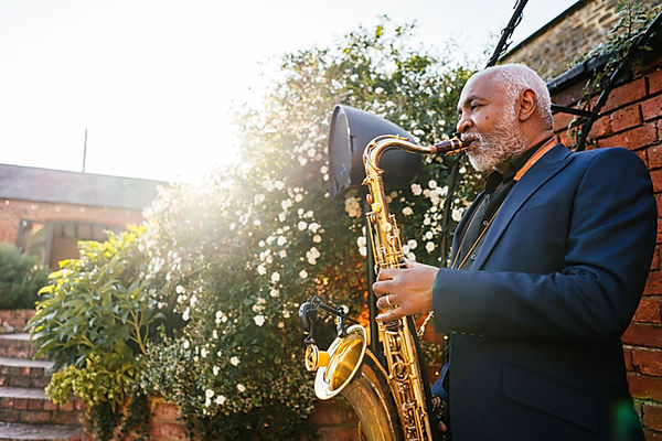 Ian hill in the courtyard - Aaron collet