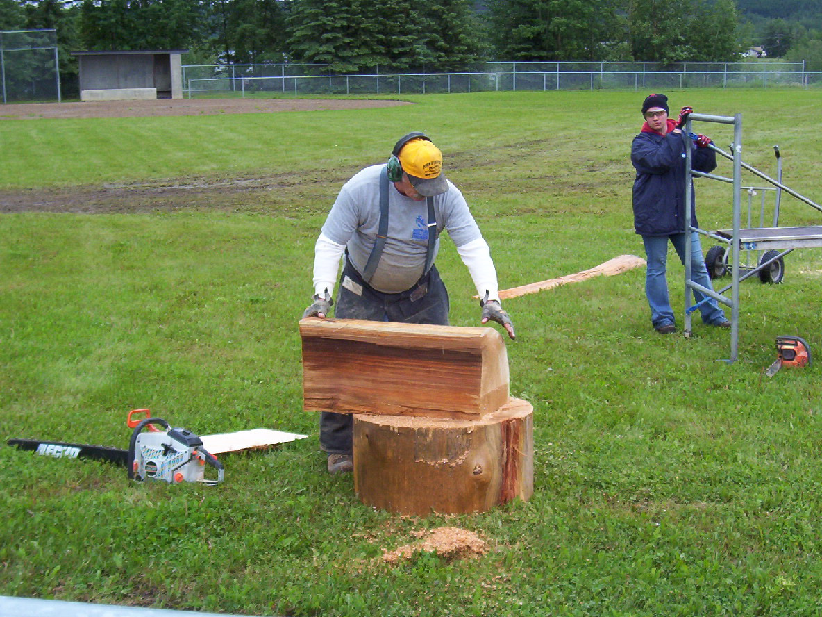 Nyal gets ready for quick carve.JPG