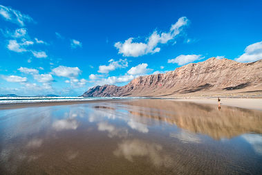 Playas-Teguise-Famara-Lanzarote.jpg