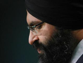 Beloved Calgary MLA dies in crash