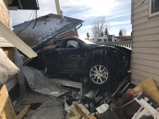 'It truly was a miracle': Homeowner says he's lucky after Jeep crashed into Olds homes
